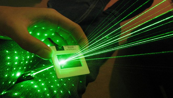 5000mw pointeur laser vert surpuissant pas cher. Black Bedroom Furniture Sets. Home Design Ideas