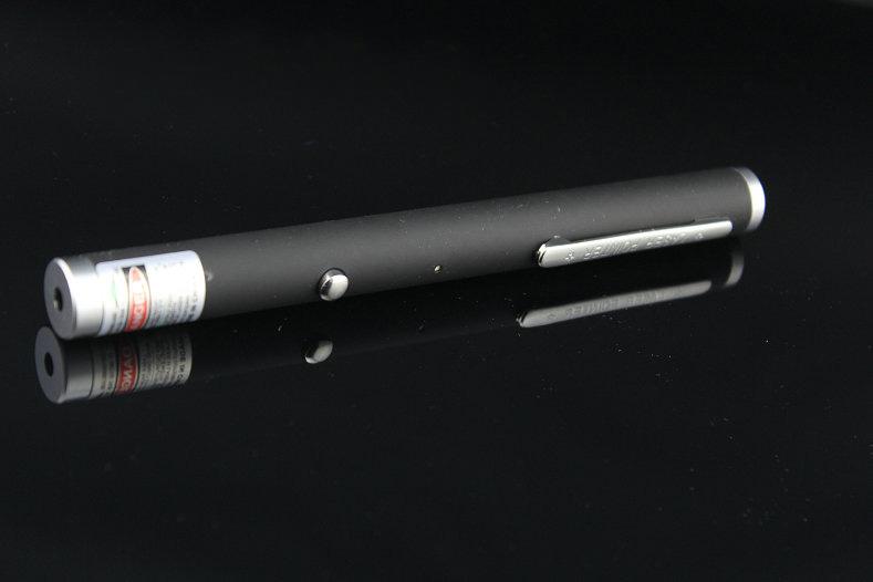 stylo pointeur laser vert 100mw. Black Bedroom Furniture Sets. Home Design Ideas