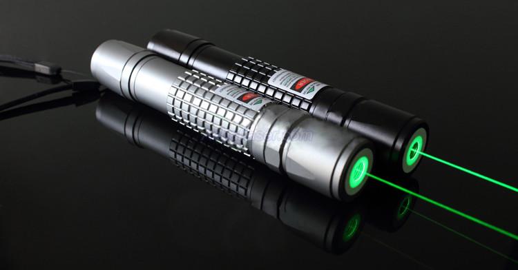 Lampe de poche laser vert 100mw pas cher - Allumer lampe de poche ...