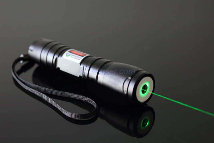 Acheter 100mw lampe torche laser vert puissante - Lampe torche puissante longue portee ...